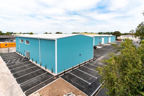 5 NEW INDUSTRIAL UNITS 270 sq m - 1,629 sq m (2,905 sq ft- 17,500 sq ft)