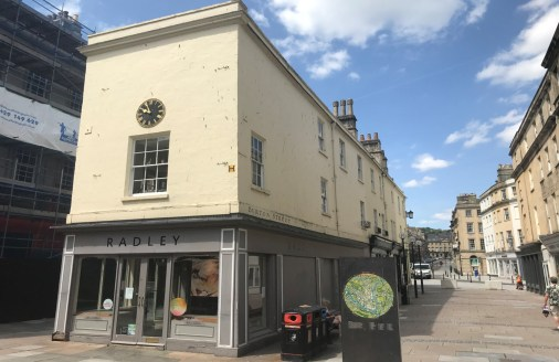 The Grade II Listed property benefits from an attractive prominent frontage onto the busy street of Old Bond Street & Burton Street. The ground floor offers open plan sales space with additional sale on the first floor. Ancillary accommodation is ava...