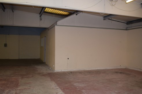 Rents from £4625 - £10,875 per annum  The units offer good quality storage/workshop space ideally suited to small and start-up businesses and trade counter uses. The unit is of traditional brick and block construction with steel trusses supporting th...