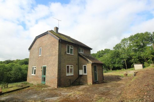 Residential farm (currently in organic conversion) in a delightful rural location. In all approximately 10 acres.