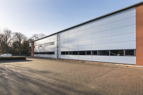 MODERN REFURBISHED INDUSTRIAL UNIT ON TEAM VALLEY.  The property comprises a modern detached industrial unit with integral ground and first floor offices. The building is of steel portal frame construction with minimum eaves height of 6m. The warehou...