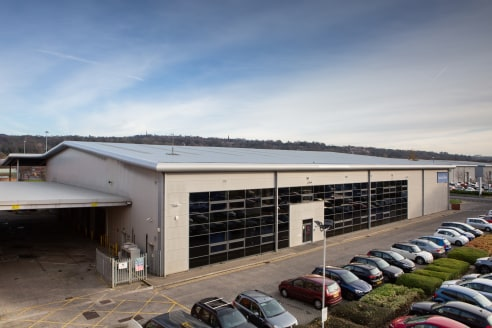 Prime High Bay Industrial / distribution property situated with Team Valley Trading Estate, Gateshead at the junction of Third Avenue and Queensway.