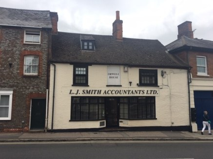 Set within Hungerford High Street one office suite set within a shared building.  The first floor office suite is a 1/2 person office which includes carpets, skylight, use of shared kitchen and WC's plus 1 parking space.