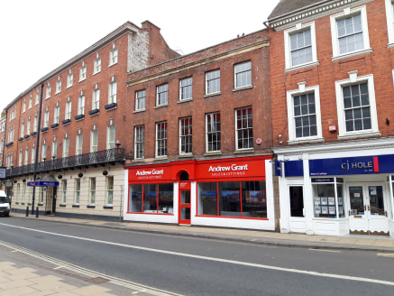 59 - 60 Foregate Street comprises a two storey retail/office  building arranged over the ground, first and second floors.  Over the ground floor there is a front retail area (previously  used as an Estate Agents) with a glazed frontage to  Foregate S...