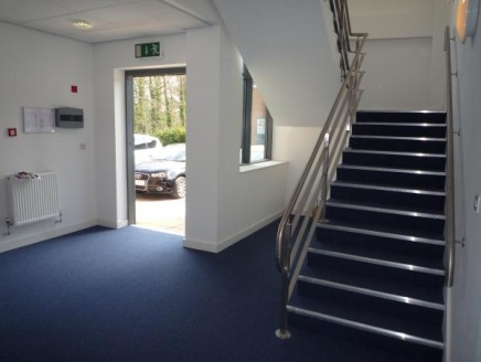 Open plan first floor office with excellent natural light.   Can be partitioned to suit your particular requirements  Pleasant parkland setting close to M53 and a short walk to Hooton station.  Very competitive rental Rent @ £11.00 psf - Incentives a...