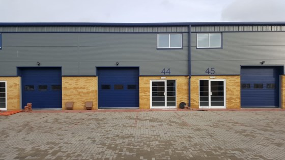Mid Terrace Warehouse / Industrial Unit To Let   Total GIA 187.01 sq m 2,013 sq ft