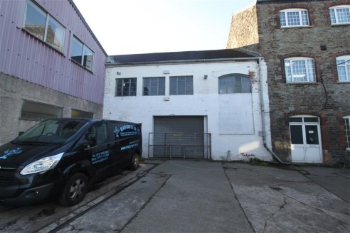 An industrial unit of approximately 3,740sqft situated in a convenient position just off Lodge Causeway, Fishponds.  The unit benefits from full height roller shutter access, allocated parking for 3 vehicles, a large ground floor warehouse with kitch...