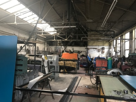 A detached industrial /workshop unit in a well established industrial location.  6,521 sq ft  Offers sought in the region of £225,000 for the freehold interest.
