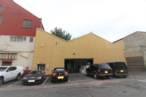 Warehouse/Workshop Premises with Refurbished Offices - Total GIA - 4,682 ft2 (435.00 m2)...