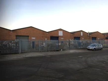Extensively refurbished modern warehouse to let of 2,646 sq ft.  The modern unit benefits from a secure yard and is available to let on flexible terms.   £14,700 per annum