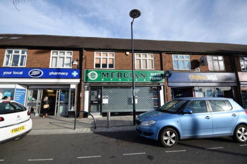LARGE COMMERCIAL PREMISES IN THE CENTRE OF ALVASTON SHOPPING PARADE (NEIGHBOURING BOOTS CHEMIST), 59ft SHOWROOM FOR RETAIL PLUS A FURTHER 25ft WORKSHOP AT THE REAR. OFFICE SPACE TO THE FIRST FLOOR. Contact CENTURY 21 for viewings & auction Informatio...