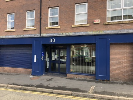 A range of different sized offices in Bangor city centre.  Large multi occupied property on Dean Street offering offices from c 190 sq ft up to 2,500 sq ft.  Flexible terms from 12 months upwards  Competitive rates  Zero business rates available  Mul...