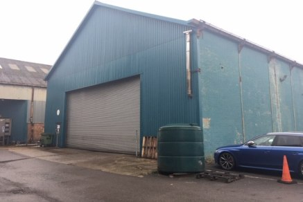 The property comprises a steel framed building with a mixture of brick and block elevations and profile cladding with pitched clad roof.  The property benefits from an eaves height of 6.1m, roller shutter door to the front and 3 phase power supply. 1...