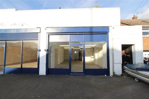 Lock up shop unit of approximately 549 sqft, comprising of an open plan layout with separate kitchen and toilet facilities. Situated on the main High Street in Avonmouth, providing a busy trading position and good access to the A4 Portway and M5/M4 m...