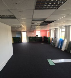 The property comprises of a single storey industrial/warehouse unit that has recently been refurbished to a good standard.  The property is situated at the end of Plumpton road in Hoddesdon, 20 miles from Central London. The site offers good transpor...
