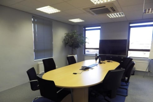 Attractively presented 6th floor office suite within Basing View