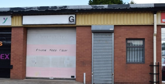 INDUSTRIAL WORKSHOP PREMISES - GATESHEAD  DESCRIPTION  The property is a mid-terraced unit of steel portal frame construction with brickwork sides and profile sheet cladding with translucent roof panels incorporated on the roof. Internally the wareho...