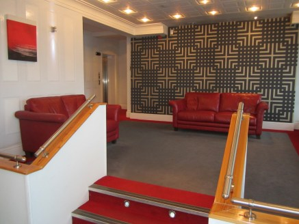 A PROMINENT REFURBISHED CITY CENTRE LANDMARK BUILDING QUEENS GATE HOUSE - Air Conditioned Suite of 6,000 sq ft on third floor based upon &pound; 8,000 pcm<br><br>Ample on site parking<br><br>Also smaller serviced suites available from 200 sq ft upwar...
