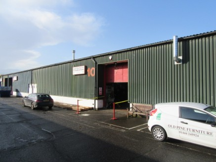 MODERN BUSINESS UNIT FOR SALE - A mid-terrace industrial unit of steel framed construction under a pitched sheeted roof with 10% natural roof lighting. Property specification - connected to 3 phase power and mains gas, up and over electric loading do...
