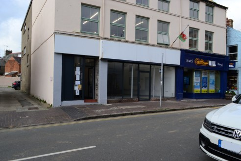 Prominent retail unit comprising 1,640 sq ft to let on Gaol Street, Pwllheli.   The property is available by way of a new effectively Full Repairing and Insuring lease at a rent of £17,000 per annum.