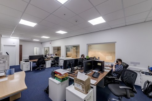Dunscar Business Park is a well established Business Park comprising 24 units in total, varying in size and use and extending to approximately 100,000 sq ft of accommodation. The Business Park has, in recent years, undergone an extensive refurbishmen...