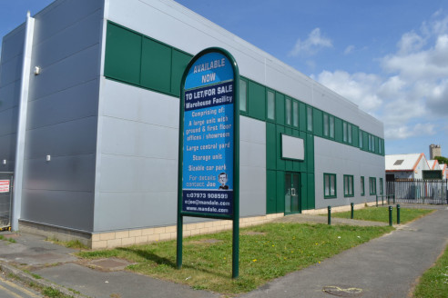 Warehouse/Showroom Facility To Let, Unit 5a & 5b Pennine Avenue, North Tees Industrial Estate, Stockton
