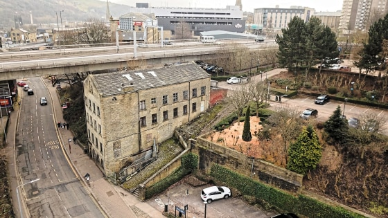Marshalls Mill is a substantial listed five storey mill built in natural stone with double pitch slated rood. The mill extends to 9,200 ft over five floors and due to the sloping nature of the site three of these levels have ground floor access.  The...