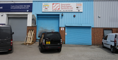 The premises comprise of a steel portal frame unit, within a terrace of similar units, the property is laid out as a trade counter, with a ground floor trade counter and office and roller shutter door providing access to a storage facility.   The rol...