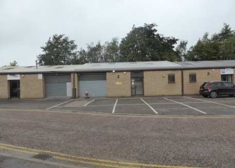 The property occcupies a mid-terrace position and was constructed during the 1980's. Internally, the property benefits from clear workshop/warehouse space with integral offices, kitchen and W.C....