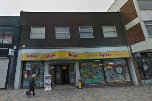 Substantial double fronted two storey retail premises located in Blackpool Town Centre. Ground and first floor retail space plus storage & offices, total area 390 sq m (4299 sq ft) retail area approximately 318 sq m (3420 sq ft)....