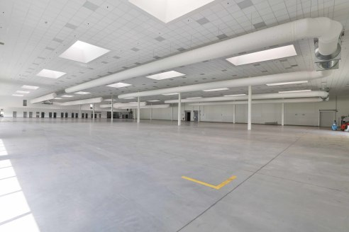 Clean production hall - never used. Flexible lease terms. Quality offices attached. 7m minimum eaves height. Fork lift trucks available on site. Positive pressure air handling system.