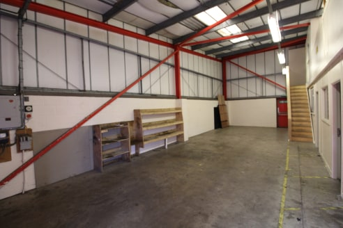 Under Offer]\nModern Industrial Premises in Great Western Business Park - Total GIA - 1,317 ft2 (122.35 m2)...