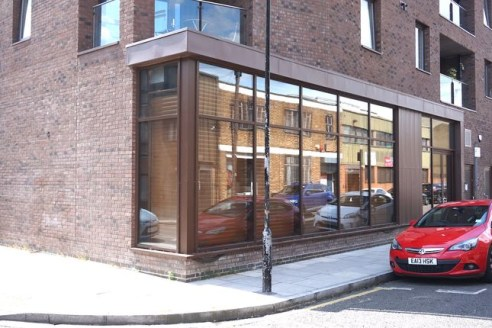 Available immediately<br><br>Bethnal green - &pound;20 per sq. Ft. - 4,413 sq. Ft. (approx.) Ground floor ***** fully fitted and ready to go ***** office/studio/photographic studio/production space...