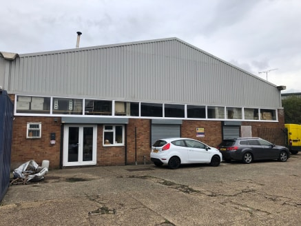 Industrial unit arranged on the ground floor, with good loading and parking facilities.  The industrial unit is located on River Way which grants access to the A414 from Elizabeth Way. To the south this then grants access to the M11 at Junction 7 lea...