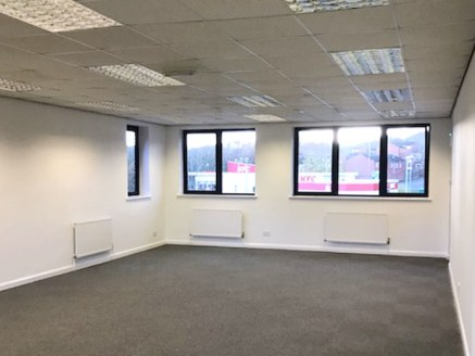 Units 8 & 9 The Oaks offers a rare opportunity to buy freehold offices Redditch. The property occupies a prominent position on The Oaks Business Centre, with frontage to Clews Road....
