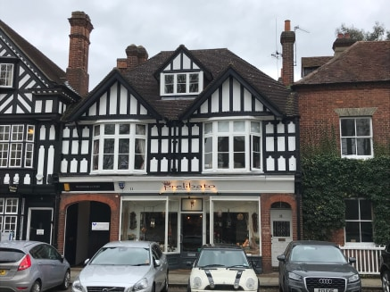 The office building is located on the Windsor End, overlooking the Green in the heart of the popular Beaconsfield Old Town. Junction 2 of the M40 motorway is approximately 1 mile away and the Chiltern Line serving London Marylebone and Birmingham is...