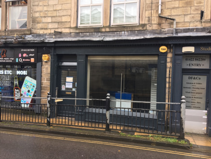 The property comprises a ground floor level retail unit with car parking to the rear set in the Heart of Hebden Bridge Town Centre with nearby occupiers including Valli Opticians, Drew Forsyth & Co. and Grow Tuition.  The premises benefits from promi...