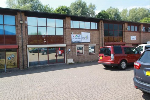 A very well presented workshop/office of approximately 3,500sqft (Gross Internal Area) benefiting from off street parking for approximately 7 vehicles. The property is arranged over two storeys offering potential to extend the first floor and create...