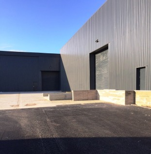 Atlas Business Park consists of a terrace of high bay new build industrial units ranging from 8,130 sq ft to 10,800 sq ft with the option of taking combined space equating to a total of 26,430 sq ft.  Internally the units can be designed to accommoda...