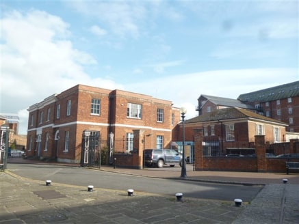 Opportunity to acquire a Prominent Grade II Listed Building in Gloucester Docks. The property has potential for alternative uses, subject to the necessary consents being obtained. Available freehold with vacant possession. The accommodation extends t...