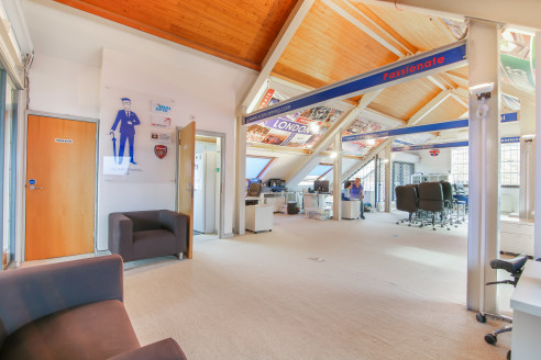 JACOB STREET. SE1. 1,316 SQ FT (122 SQ M). LOW SERVICE CHARGE, FLEXIBLE TERMS, FURNIHSED, AVAILABLE NOW ADVANCED WI-FI, EXCELLENT LANDLORD. A top floor office space located on the third floor of this period building. This bright office space is a sel...