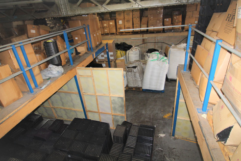 Lock-up Warehouse with Gross Internal Area of 2,000 ft2 plus 1,800 ft2...