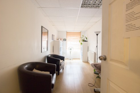 Walk through video tour now available. Previously used as a gym. But the property could be used for a number of business.  Two-storey office premises in an excellent position close to Deansgate, one of Manchester city centre's premier retail highways...