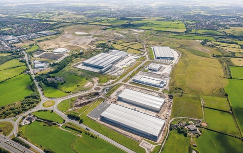 4 million sq ft of employment space across 250 acres, providing freehold and leasehold opportunities. 1.5 million sq ft completed or under construction. M60 and M62 within four miles, providing access to over 21 million consumers within a two hour dr...