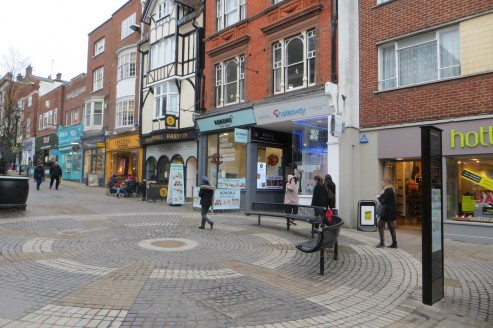 Ground floor retail unit of 424 sqft.  The property is located in a conservation area but is not listed.