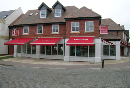 Dorney House is located at the central hub of the main shopping facilities of Burnham fronting onto both the High Street and Jennery Lane. Burnham is an attractive ancient town situated approximately 4 miles west of Slough and 4 miles east of Maidenh...