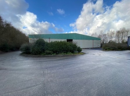A superb high bay warehouse facility located on a popular and established business park on the west side of Burnley.\n\nThe property is of steel portal frame construction with insulated profile cladding and internal block work to six feet....