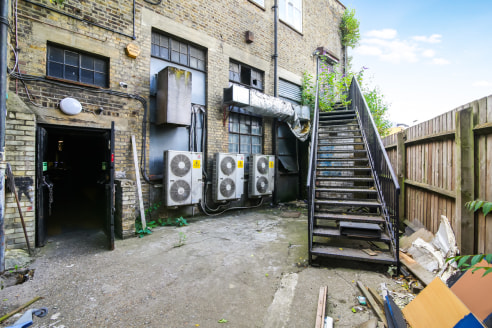 The property is set across three floors. It has a ground floor entrance leading from Peckham High Street and a rear access from Melon Road.   The unit was previously used as a nightclub and comprises a large open plan area, kitchen, large entrance ha...