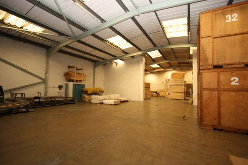 Industrial/Warehouse Units  From 5,567 to 16,493.7 sq ft