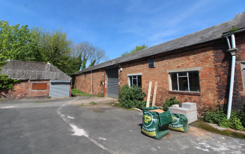 A lock up IndustrIal/commercIal/storage unIt * GIA 7,588 sq ft (705 m sq) * VersatIle accommodatIon * SuItable for a range of commercIal uses * BenefItIng from three phase electrIc * 3.9 metre eaves Download Brochure Property DescrIptIon The sIte ext...